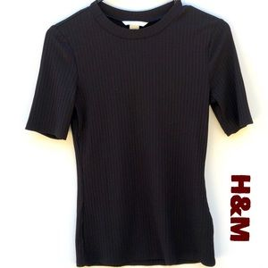 H&M  Black Short Sleeve Ribbed Top Size Small